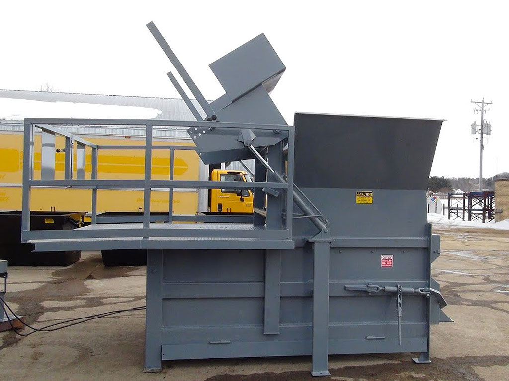 Stationary compactors for dry waste